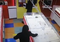 В Московском аэропорту задержаны подозреваемые в ограблении ювелирного магазина в Иваново