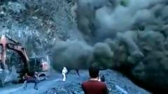 """""""Черная мгла"""": работяги чудом спаслись от камнепада в Дагестане"""