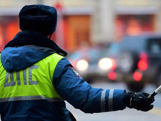 В Тверской области сотрудник ДПС спас травмированного ребенка