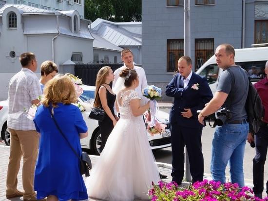 В Калуге отмечается свадебный ажиотаж