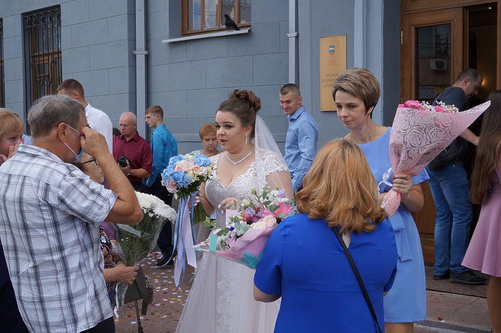 Счастливые кадры свадебного бума в Калуге