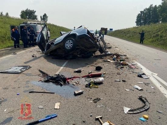 Под Канском произошла жуткая авария: четверо человек погибли, трое в больнице