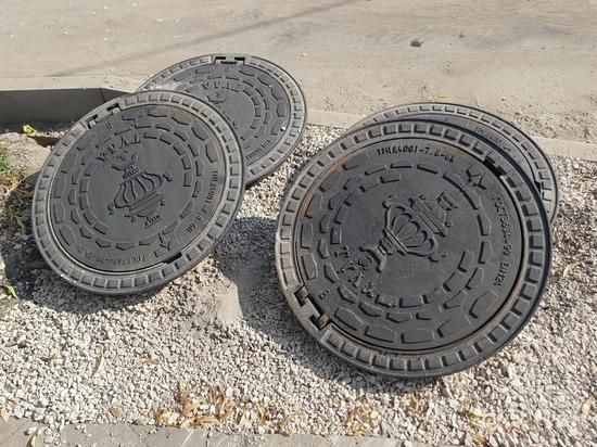 В Туле самоварами брендировали крышки канализационных люков