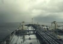 В порту Клайпеды, куда прибыл американский танкер с топливом для Белоруссии, произошел разлив нефти