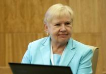 Глава ЦИК Белоруссии Лидия Ермошина объяснила, почему очереди у избирательных участков являются «организованной провокацией оппозиции»