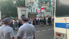 """Белорусы устроили митинг у посольства в Москве: кричат """"Уходи"""""""