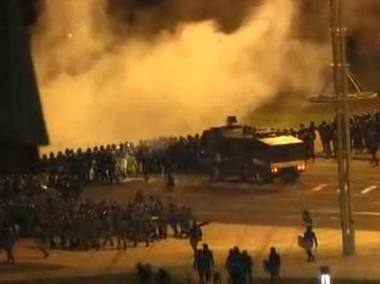 В Минске возводят баррикады