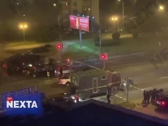 """В центре Минска, у торгового центра произошли взрывы, о чем сообщают корреспонденты """"МК"""""""