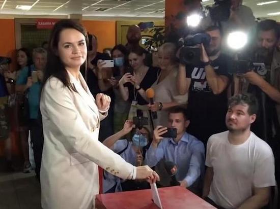 Штаб Тихановской забаррикадировался: оппозиция опасается силовиков