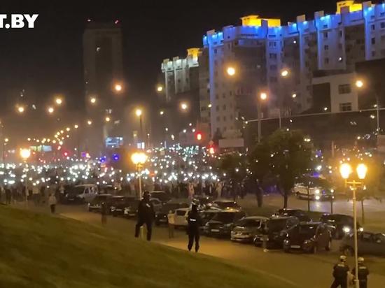 МВД Белоруссии подтвердило использование спецтехники и шумовых гранат против демонстрантов