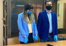 Мосгорсуд в понедельник, 10 августа, проверить законность административного надзора в отношении Варвары Карауловой (Александры Ивановой), которая в 2015 году пыталась сбежать в «Исламское государство» (организация запрещена в России)