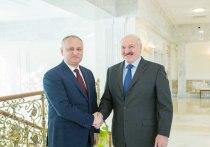 Игорь Додон поздравил с победой на выборах Александра Лукашенко