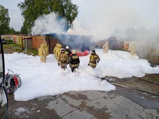 За выходные в Новосибирске спасли 8 человек на пожарах