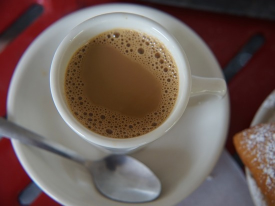 Врач рассказал, кому стоит пить какао вместо кофе