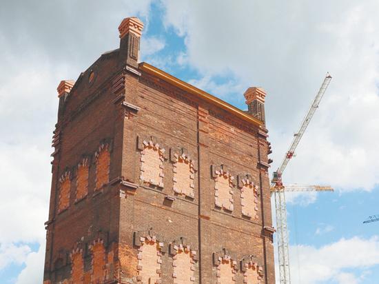 Недавний переезд башни на Складочной улице произвел настоящий фурор среди любителей старинной архитектуры города