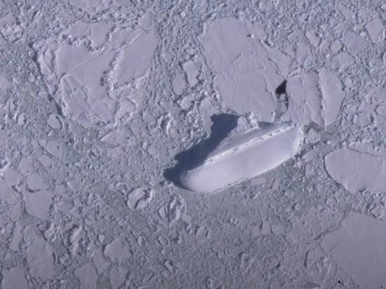 Пользователь обнаружил неизвестную обледеневшую 122-метровую яхту у берегов Антарктиды