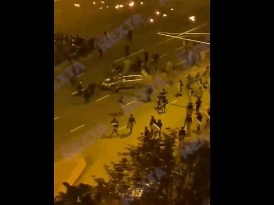 В Минске автомобиль протаранил группу ОМОНа