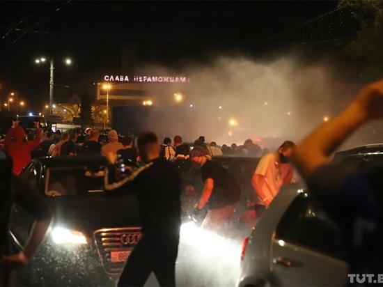 Белорусские протестующие разошлись по домам после второй ночи сопротивления