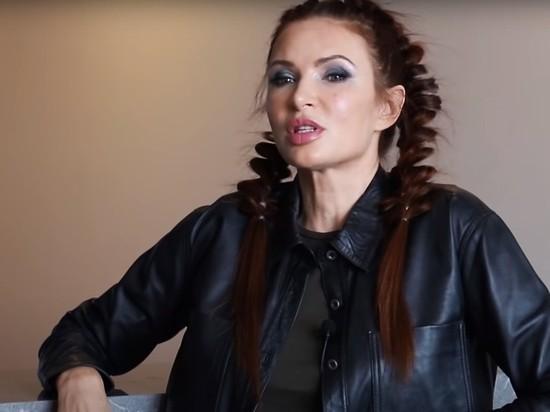 Эвелина Бледанс, заявившая о жизни на тысячу рублей, купила квартиру в центре Москвы