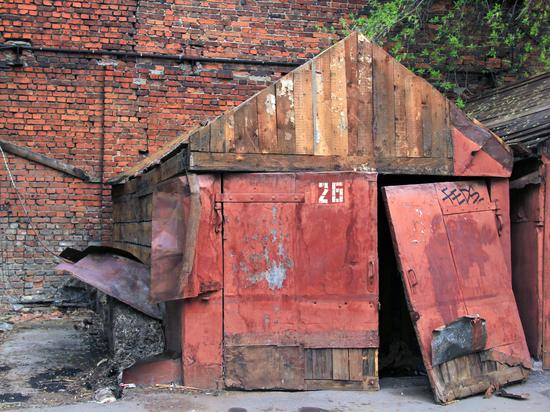 Тела двух пенсионеров нашли в гараже в Забайкалье