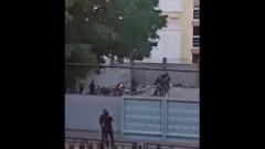 Очевидцы сняли избиение задержанных митингующих в минской милиции: видео