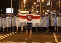 Второй день после выборов президента Белоруссии страна живет в информационной блокаде