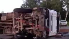 Две фуры и автобус столкнулись в Калужской области
