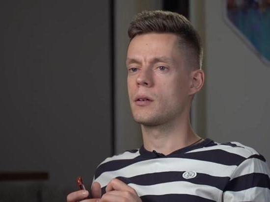 Российский журналист Дудь призвал белорусских силовиков неприменять силу