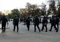 «Протесты затухают», «протесты разгораются», «режим Лукашенко доживает последние дни», «режим падет в течение нескольких месяцев», «Лукашенко предотвратил революцию и останется у власти еще как минимум на пять лет