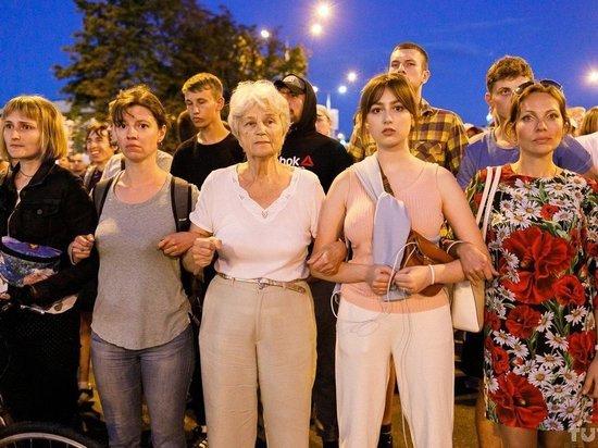 Протестующие перекрыли проспект Независимости в Минске