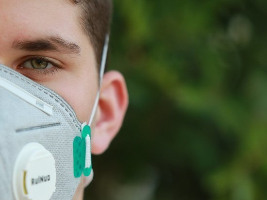 Мэр Бордо объявил об обязательном ношении масок на улицах города с 15 августа