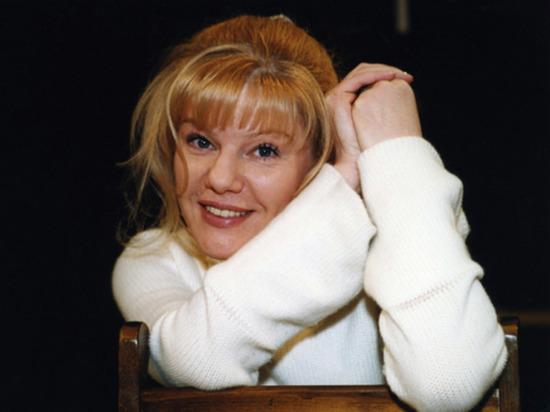 Александра Захарова, дочь покойного художественного руководителя московского Театра «Ленком» Марка Захарова, состоит на учете в наркологической клинике