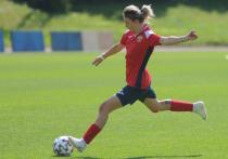 УЕФА серьезно намерен развивать женский футбол, и, вероятно, скоро клубы не смогут участвовать в еврокубках, если наряду с детско-юношеской школой и молодежной командой в его составе не будет женской