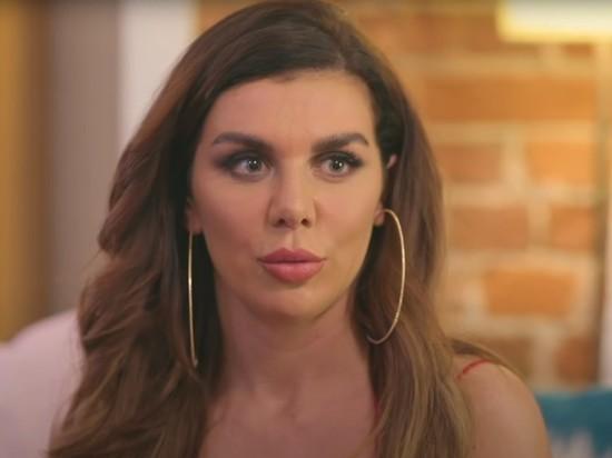 Певица и телеведущая Анна Седокова выложила в Instagram фото без макияжа, но на это даже никто особенно не обратил внимание