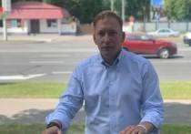 Кандидат в президенты Белоруссии Андрей Дмитриев заявил, что протесты в стране набирают обороты, при этом он обвинил действующие власти в фальсификации прошедших выборов главы государства