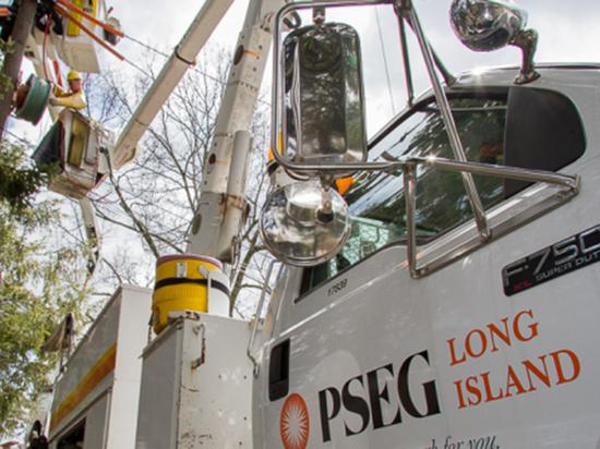 Пять дней без электричества: Куомо начал расследование действий компаний коммунальных услуг в связи со штормом «Исайас»