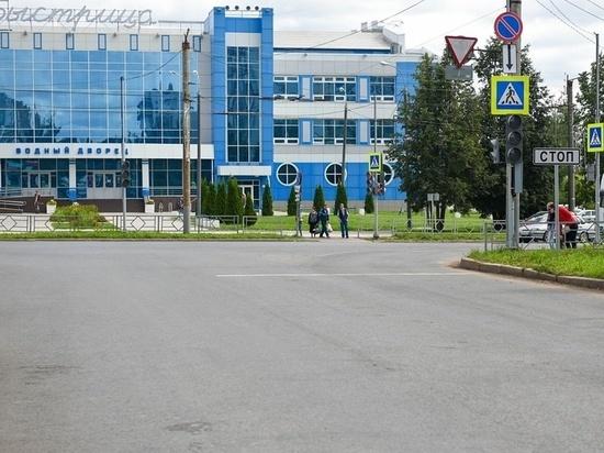 Одну из самых разбитых улиц Кирова отремонтируют к сентябрю