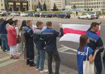 В пятницу в Белоруссии забастовали не только крупные заводы – БелАЗ, МАЗ, «Гродно-Азот», но и предприятия легкой промышленности, такие как знаменитая «Милавица», производящая трикотаж и Гродненский маясокомбинат