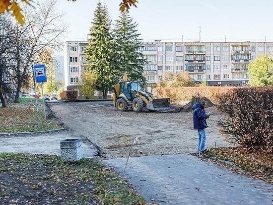 Отремонтированный сквер Искусств откроют в конце августа