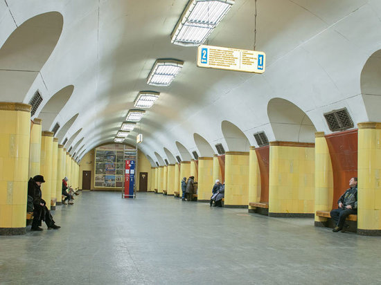"""Реконструкция с полным закрытием ожидает станцию метро """"Рижская"""" оранжевой линии: целый год, начиная с 22 августа, поезда будут проезжать ее без остановки"""