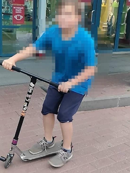 В Костроме разыскивают 12-летнего угонщика самокатов