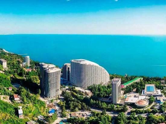 Власти Сочи рассказали, сколько туристов посетили курорт этим летом