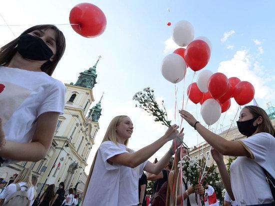 Как Варшава применяет кнут и пряник против Лукашенко