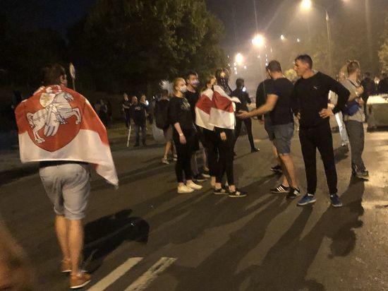 Киевские политики призывают Батьку к переговорам, но он их не слышит