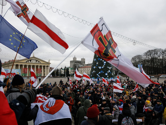 Тысячи людей в Минске пришли на акцию прощания с погибшим