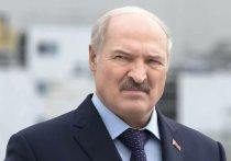 Президент Белоруссии Александр Лукашенко заявил, что не отдаст никому страну и удержит ситуацию