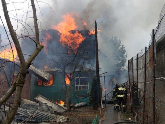 Дом мог вспыхнуть из-за чрезмерной нагрузки на электросеть