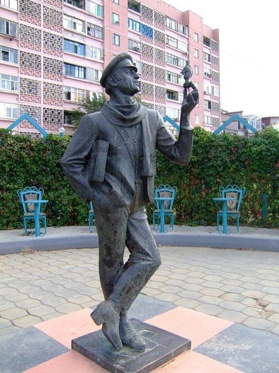 Калмыцкая столица все же вернет имя командира Анацкого