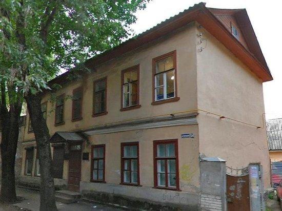 Дом XIX века продают в центре Пскова