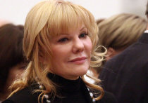 «Ленком» обратился в прокуратуру для защиты Александры Захаровой